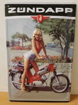 Zundapp rode brommer vrouw metalen reclamebord RELIEF