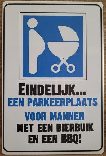 BBQ en Bierbuik Parking parkeerplaats mannen reclamebo