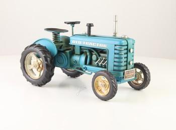Old tractor blauw metalen model trekker