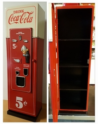 Coca cola kast mannetje van hout