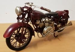 Motor miniatuur donker rood metalen model